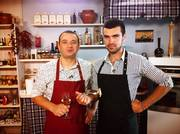 Сursuri: Bucatar-Cofetar,  Barman-Chelner,  Vinzator-Casier. BALTI